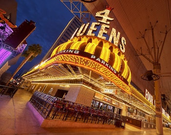 Hotel - Four Queens Hotel and Casino (No Resort Fee)