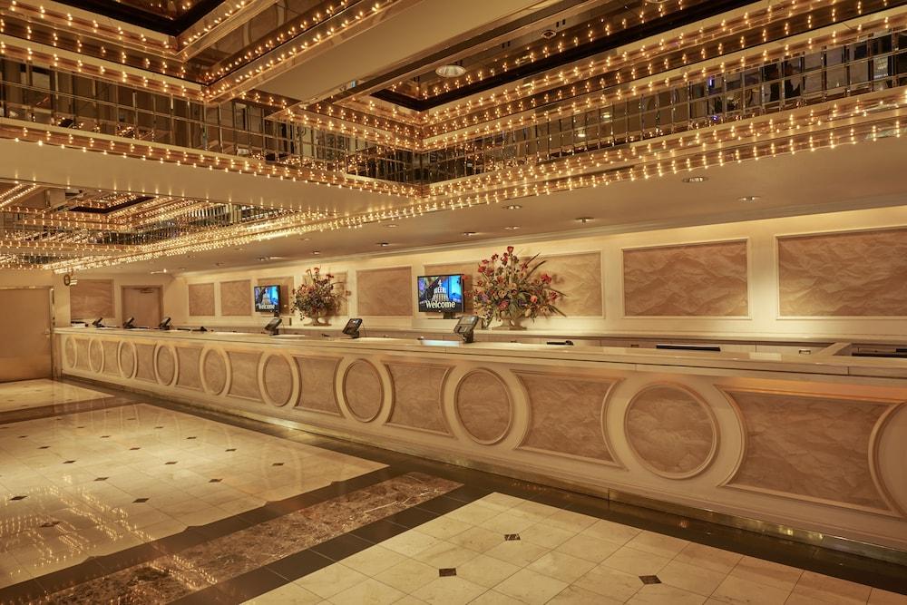 Four Queens Hotel And Casino No Resort Fee Las Vegas Nevada Us