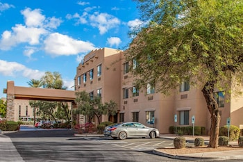 Featured Image at Comfort Suites Old Town Scottsdale in Scottsdale