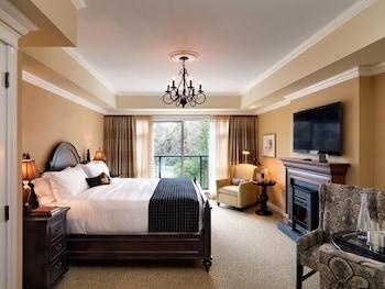 One Bedroom Suite Partial Ocean View (King)