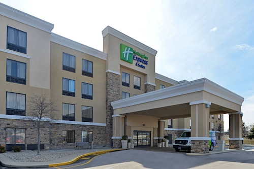 . Holiday Inn Express and Suites Indianapolis W- Airport Area