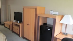 Standard Room, 1 King Bed With Sofa Bed, Non Smoking (2nd Floor)
