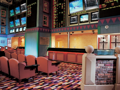 New York-New York Hotel & Casino image 16