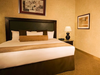 Guestroom at Stratosphere Hotel, Casino & Tower, BW Premier Collection in Las Vegas
