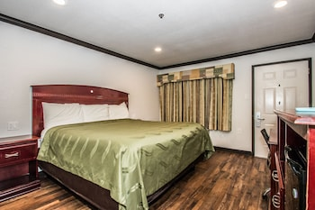 Guestroom at Americas Best Value Inn Fort Worth in Fort Worth