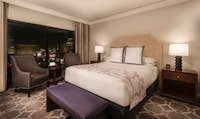 Augustus Executive Suite, 1 King Bed (Newly Renovated)
