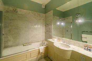 The Roxburghe Hotel & Golf Course - Bathroom  - #0