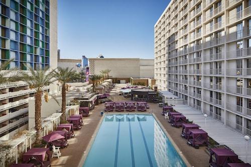 Harrah's Hotel and Casino Las Vegas image 9