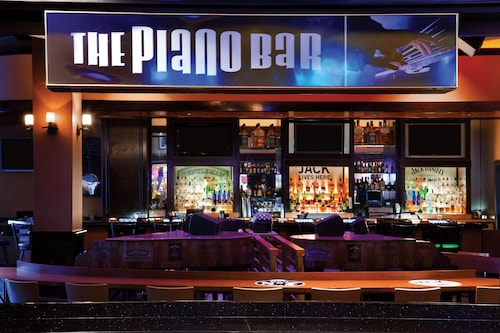 Harrah's Hotel and Casino Las Vegas image 54