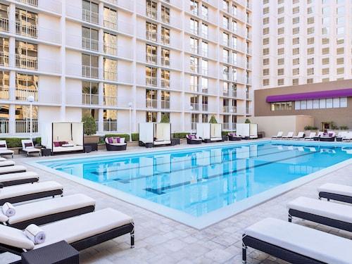 Harrah's Hotel and Casino Las Vegas image 27