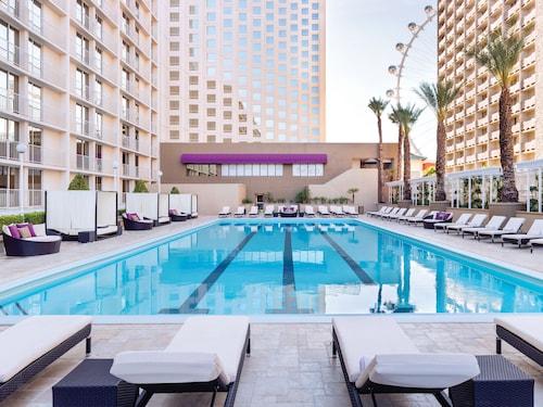 Harrah's Hotel and Casino Las Vegas image 28