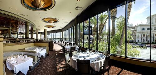 Harrah's Hotel and Casino Las Vegas image 48