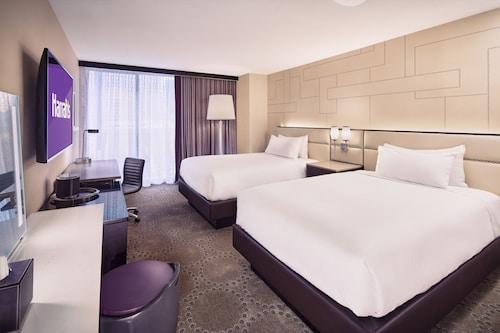 Harrah's Hotel and Casino Las Vegas image 53