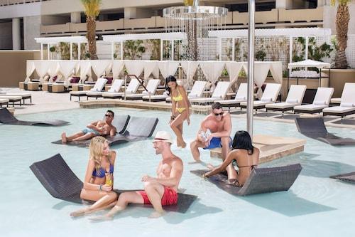 Harrah's Hotel and Casino Las Vegas image 30