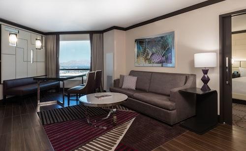 Harrah's Hotel and Casino Las Vegas image 20