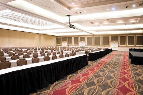 Harrah's Hotel and Casino Las Vegas image 43