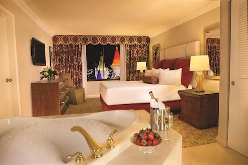 Excalibur Hotel Casino image 9
