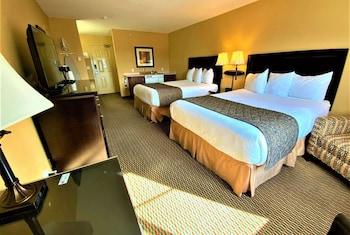 Room, 2 Queen Beds, Kitchenette