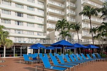 four points by sheraton miami beach miami beach fl. Black Bedroom Furniture Sets. Home Design Ideas