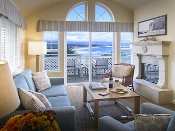 Suite, 1 King Bed with Sofabed, Partial Ocean View