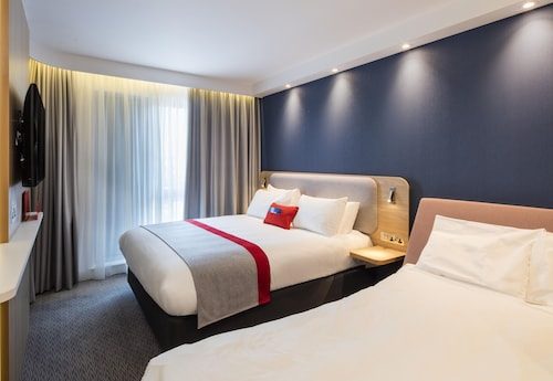 . Holiday Inn Express Belfast City