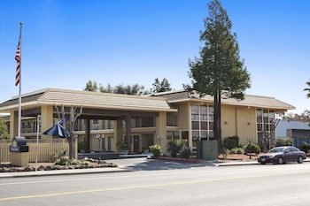 Hotel - Days Inn by Wyndham Gilroy