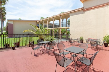 Orlando Vacations - Ramada by Wyndham Davenport Orlando South - Property Image 1