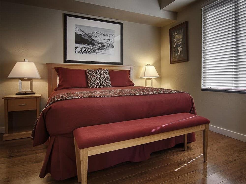 https://i.travelapi.com/hotels/1000000/50000/41700/41620/241ea7af_z.jpg