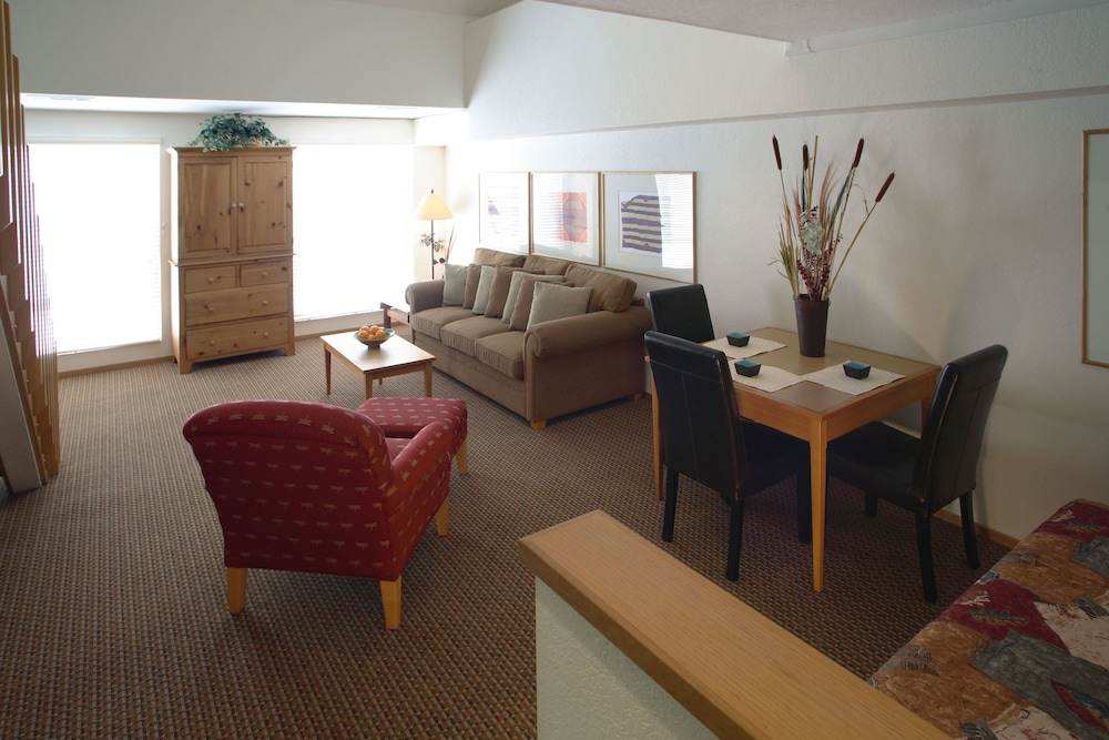 https://i.travelapi.com/hotels/1000000/50000/41700/41620/87b3688e_z.jpg