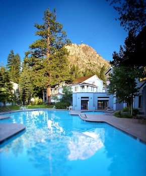 Hotel - Squaw Valley Lodge