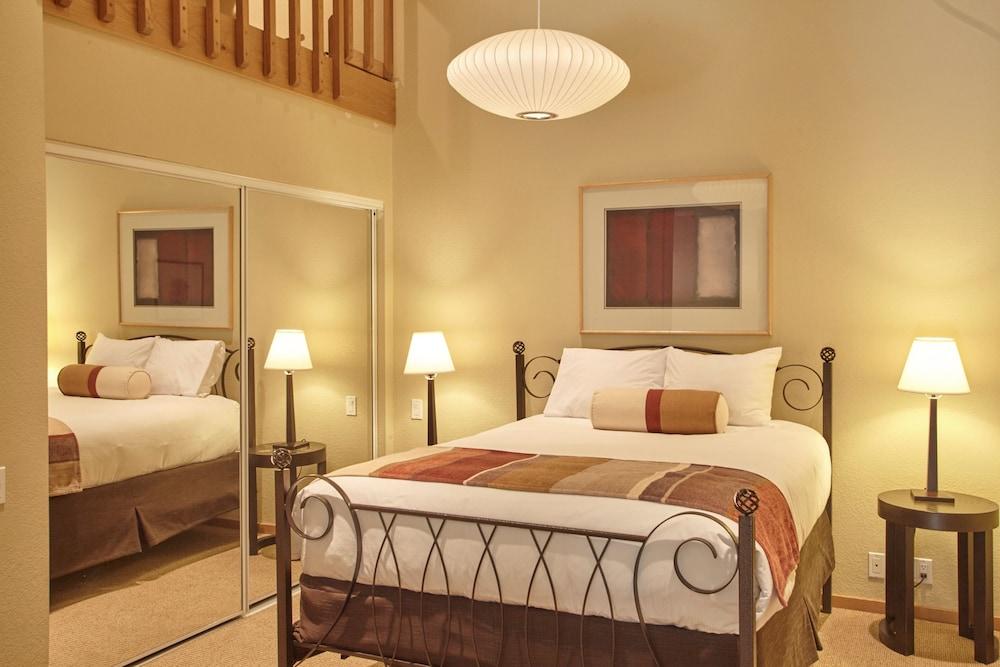 https://i.travelapi.com/hotels/1000000/50000/41700/41620/9a8174f7_z.jpg