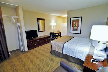 Guestroom at Extended Stay America - Charleston - North Charleston in North Charleston