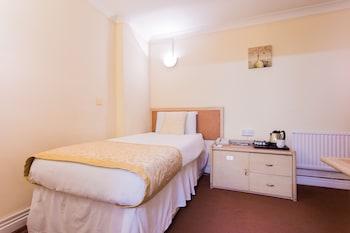 Single Room, No Windows