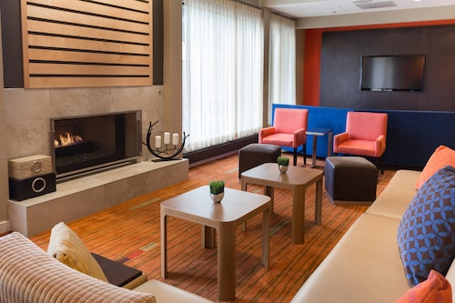 . Courtyard by Marriott Fort Collins