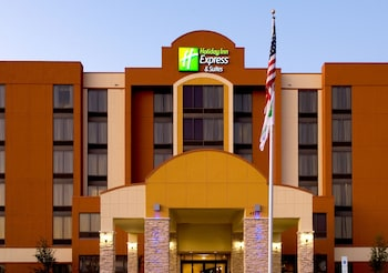 Hotel - Holiday Inn Express Hotel & Suites DFW Airport South