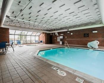 Comfort Inn Denver East - Pool  - #0