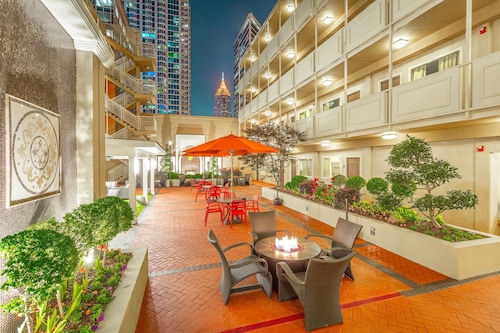 . Inn at the Peachtrees, Ascend Hotel Collection