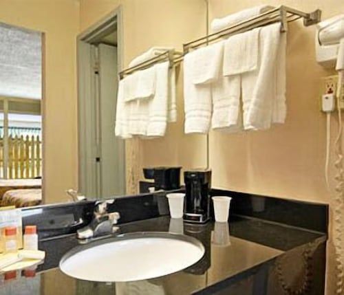 Budgetel Inn and Suites, Muscogee