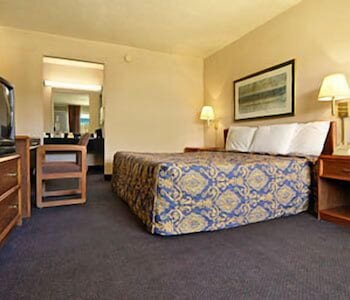 Hotel - Budgetel Inn and Suites
