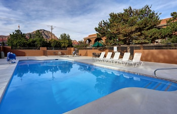 Hotel - GreenTree Inn Sedona