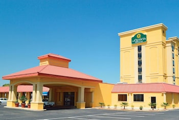 Hotel - La Quinta Inn & Suites by Wyndham Hickory