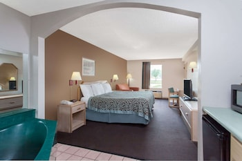 Studio Suite, 1 King Bed, Smoking, Jetted Tub