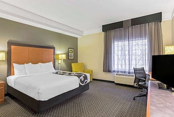 Room, 1 King Bed, Accessible, Microwave (NonSmoking/Mobility)