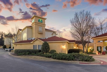 霍姆伍德溫德姆拉昆塔套房飯店 La Quinta Inn & Suites by Wyndham Birmingham Homewood