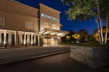 羅利布朗斯通大學希爾頓逸林飯店 DoubleTree by Hilton Raleigh - Brownstone - University