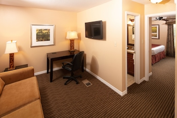 Guestroom at Saratoga Resort Villas Kissimmee in Kissimmee