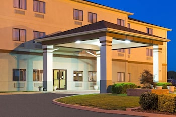 Hotel - Days Inn by Wyndham Collinsville