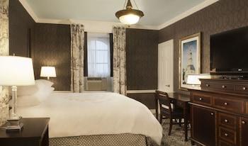 Room, 1 King Bed (Robert Johnson)
