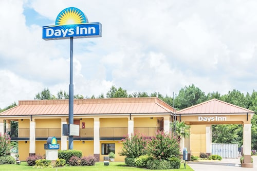 . Days Inn by Wyndham Rayville