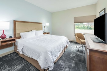 One king size accessible room